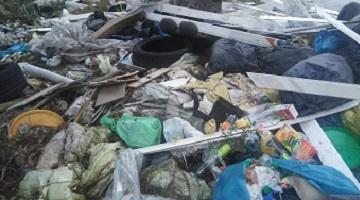 Poszukiwany właściciel śmieci porzuconych w Kątach!
